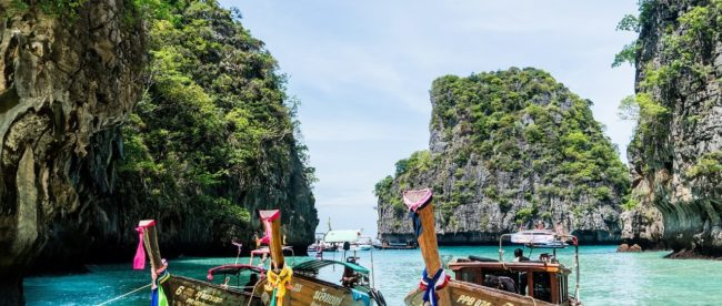 Phuket, Thailand, Boote am Stand